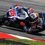 Sama Cepat, Lorenzo Lebih Baik Ketimbang Vinales  Jakarta - Direktur tim Yamaha, Massimo Meregalli, optimis pembalapnya Valentino Rossi mampu meraih gelar juara dunia yang kesepuluh tahun depan. http://rock.ly/chbwk