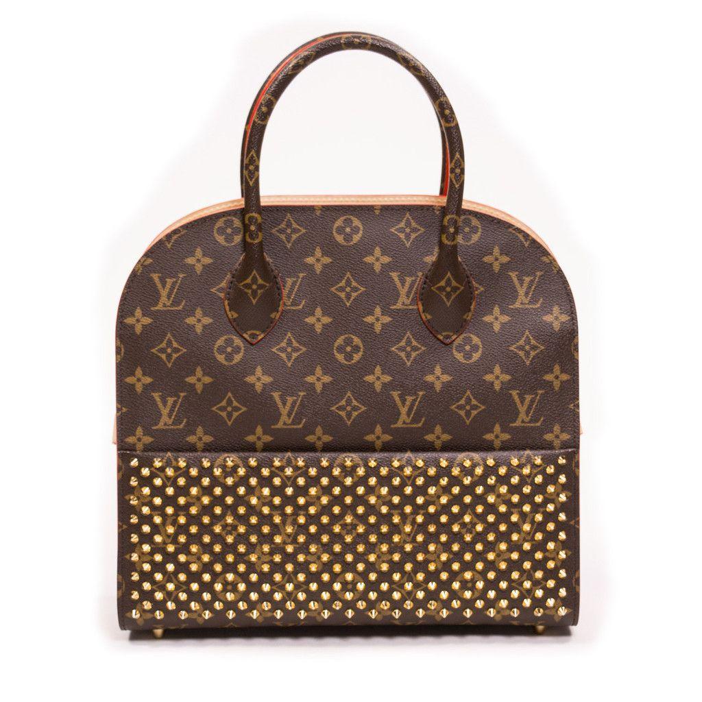 677169f724 Shopping Bag Christian Louboutin  christianlouboutinlipstick Studded  Handbags