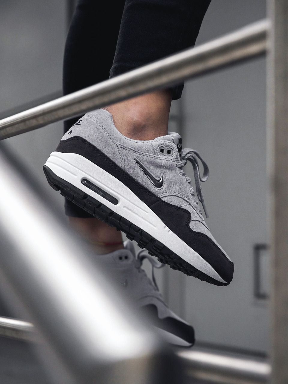 Nike Air Max 1 Jewel Wolf Grey 2017 (by ginogold
