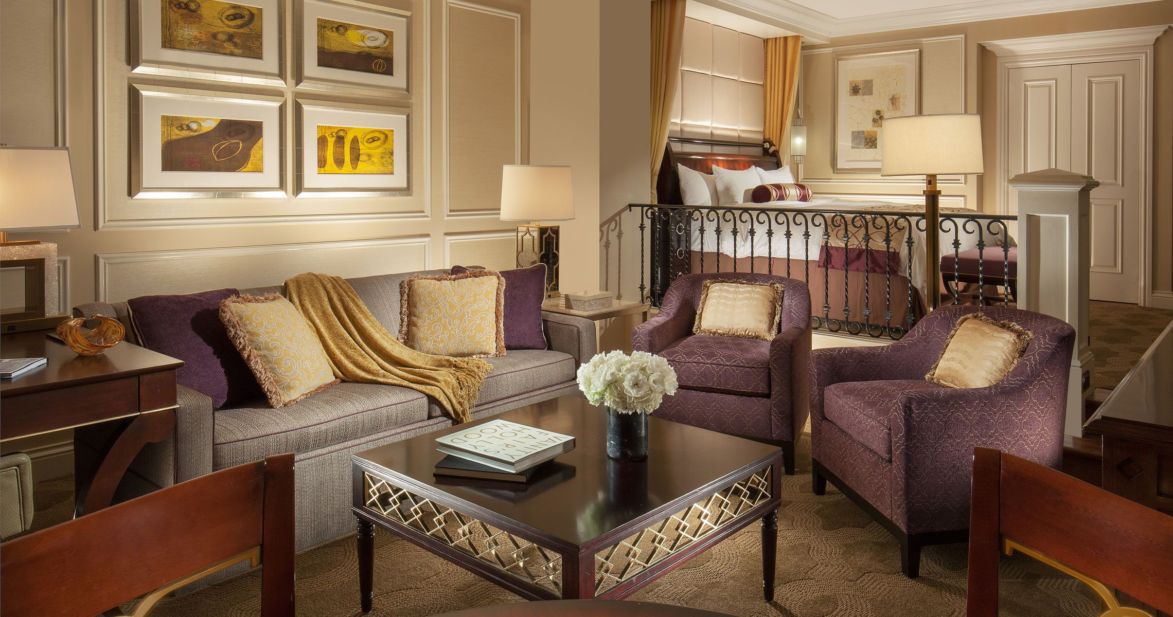 Sunken Living Rooms Make Luxury Suites Feel More Like An Apartment Than A Hotel Room Venetian Las Vegas Lasvegasholiday