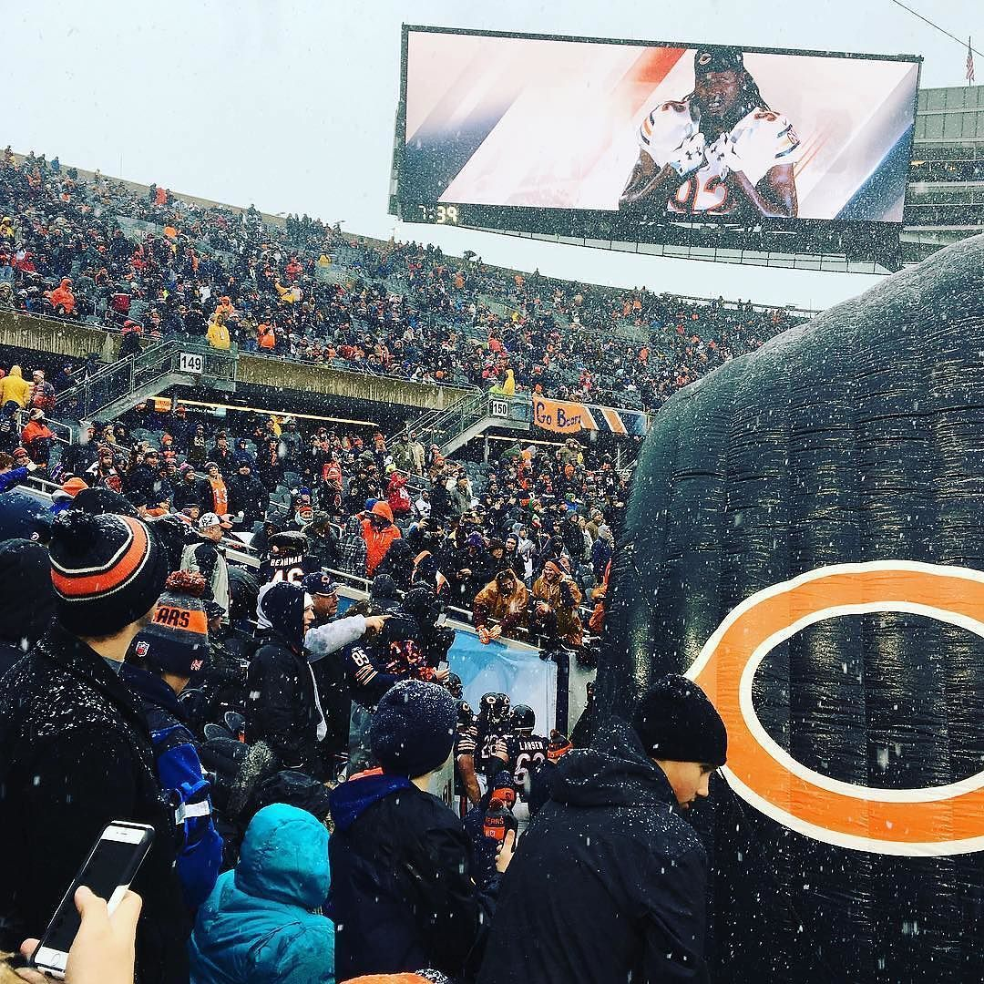 #DaBears in Da Cold. Thanks @a5harper1!  #SuperTailgate #tailgate #tailgating #win #letsgo #gameday #travel #adventure #stadium #party #sport #ESPN #jersey #sports #league #SportsNews #score #photooftheday #love #Football #NFL