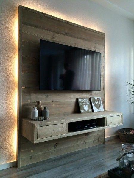 Zeer origineel wand/tv meubel, uitgevoerd in oud-gemaakt steigerhout ...