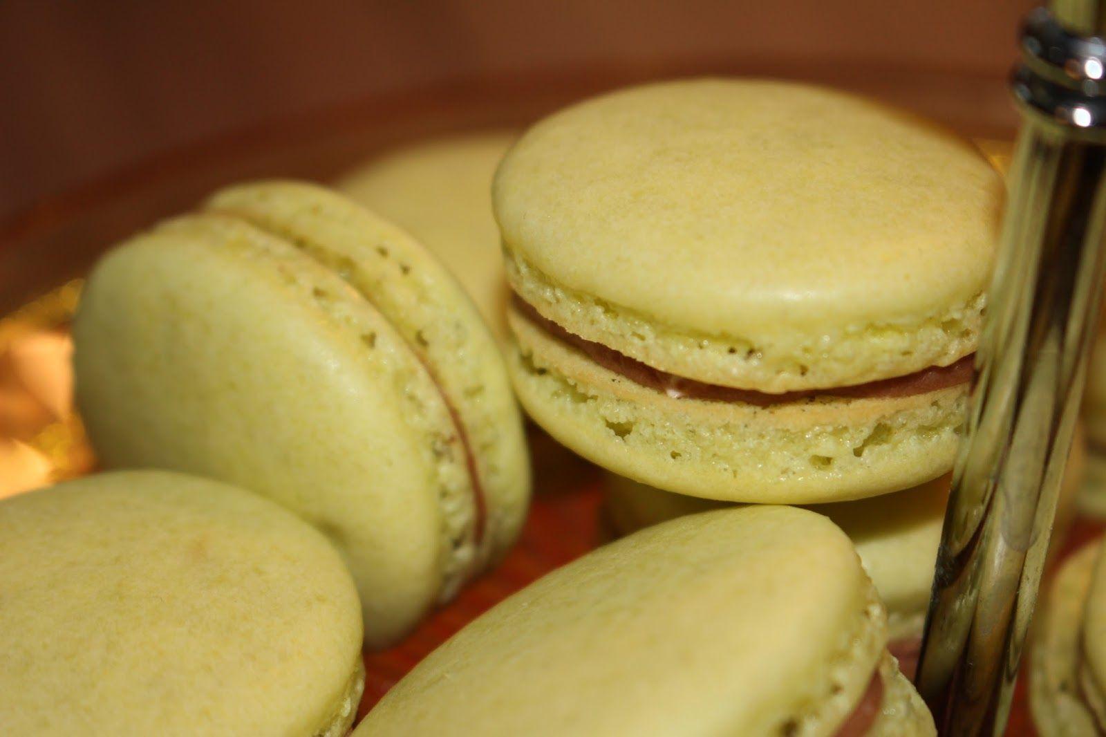 Ranteita myöjen taikinasa: Macaronit Toblerone- ja vaniljatäytteillä