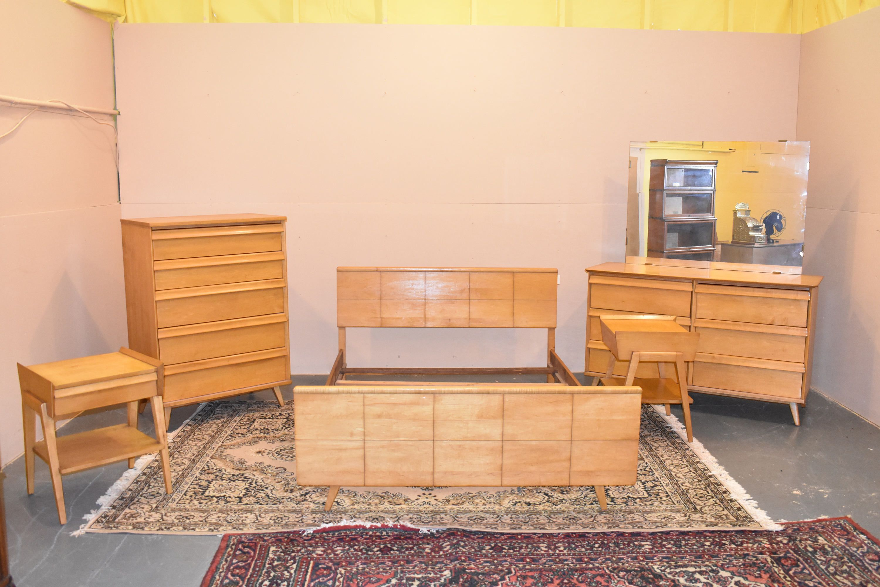 Mid Century Modern Vintage Bedroom Set By Baumritter 1950 S By Thegreensceneantiqu Modern Vintage Bedrooms Mid Century Modern Bedroom Sets Vintage Bedroom Sets