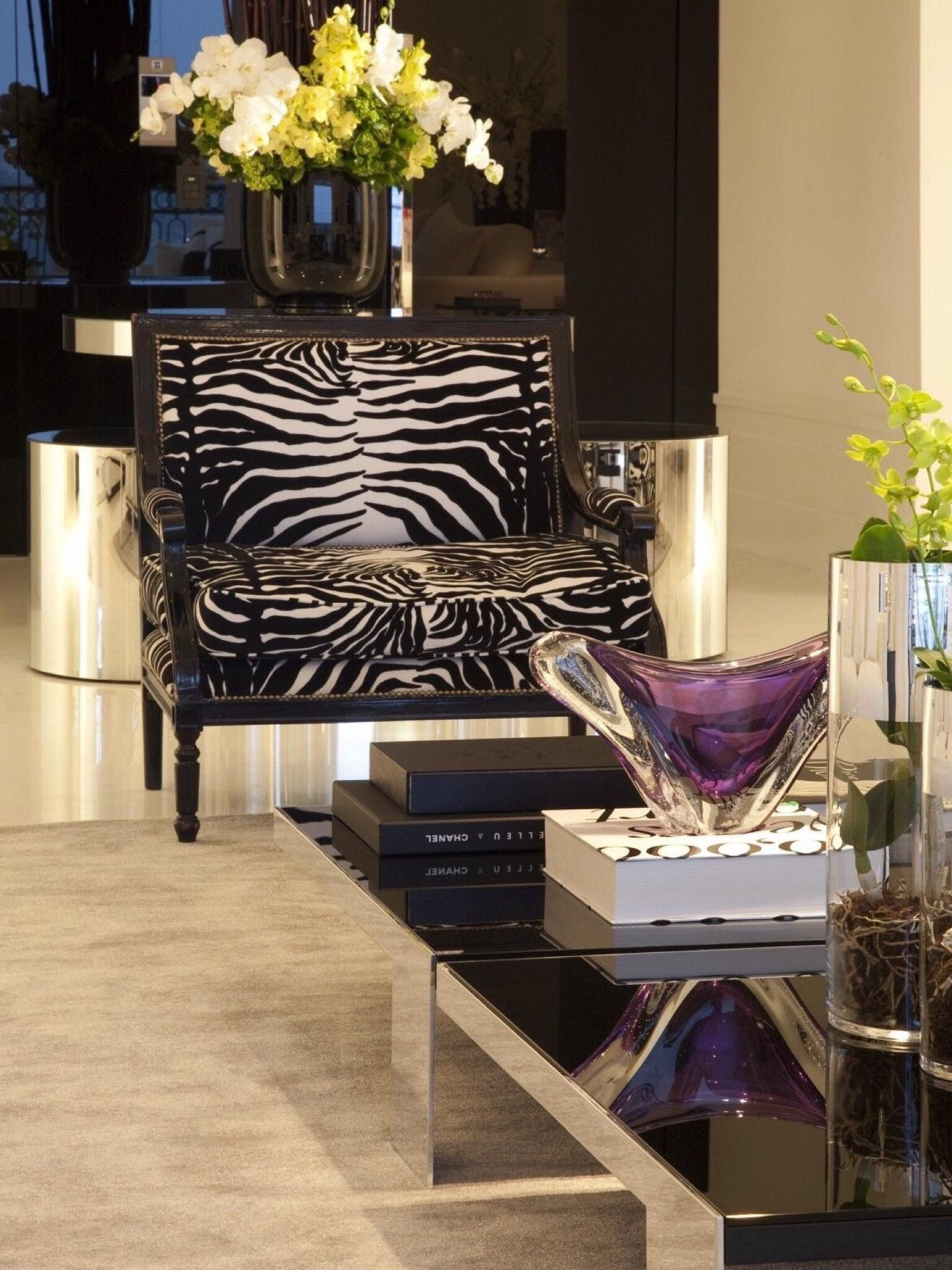 Pin By Kimmie On Home Decor 1 Vignettes Living Room Decor Tips Decor Decor Design