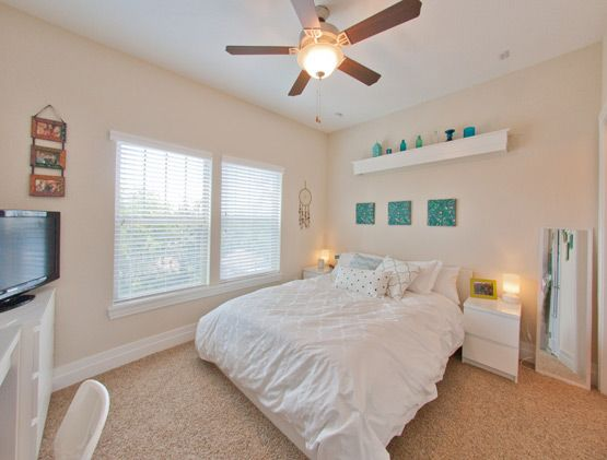 Looking For A 4 Bedroom Apartment In Gainesville Fl Check Out The Closest Student Apartments To Your Uf C 4 Bedroom Apartments Bedroom Sets Luxury Apartments