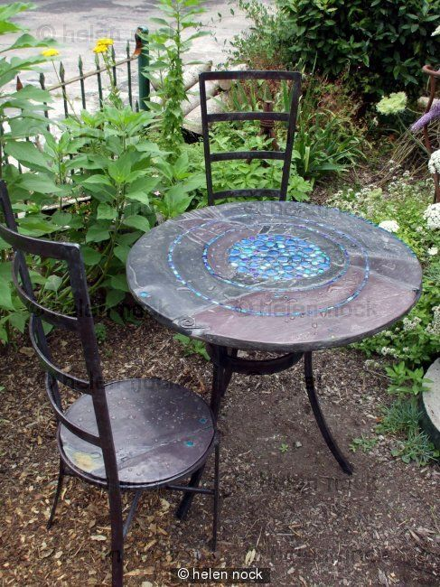 Slate and Mosaic garden table & chairs Besøk www.helen-nock.co.uk for å se alle de flotte tingene hun lager.