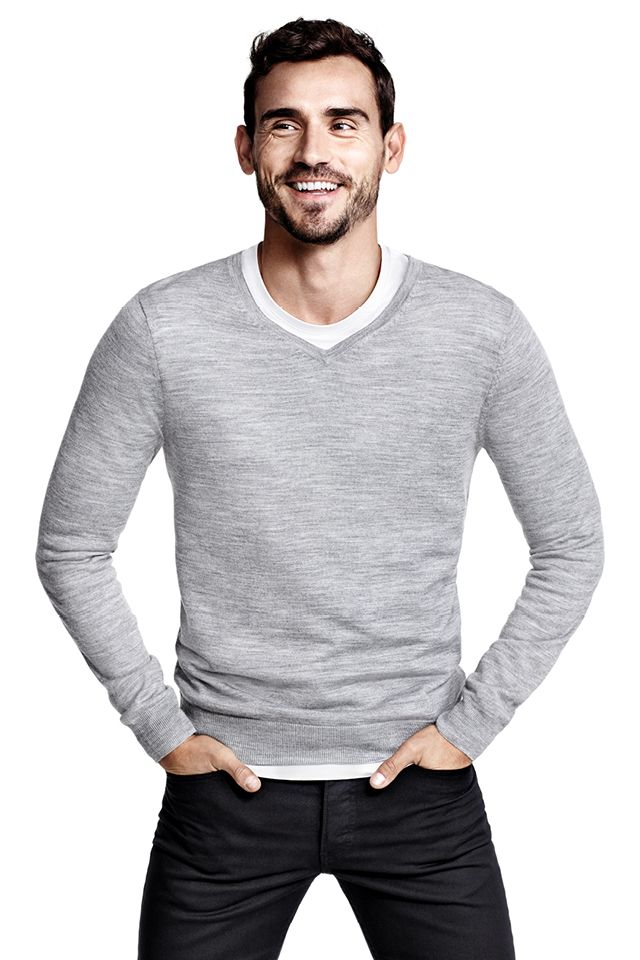 e63c85be6 Premium quality gray V-neck sweater in fine-knit merino wool.│ H M ...
