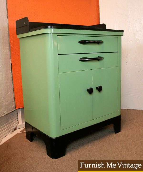 Vintage industrial hamilton medical cabinet decor - Decoration cabinet medical ...