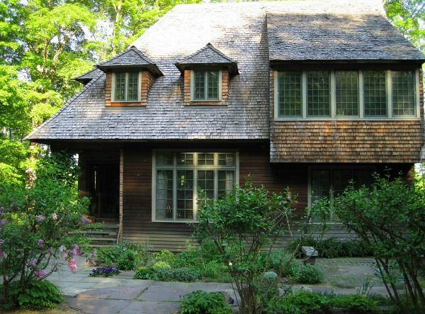 Artist Lark Upson S Arts Crafts Style Cottage In Vermont Hooked On Houses Artist House Cottage Style Cottage