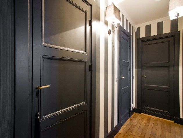 couloir menant aux chambres et salles de bains couloir. Black Bedroom Furniture Sets. Home Design Ideas
