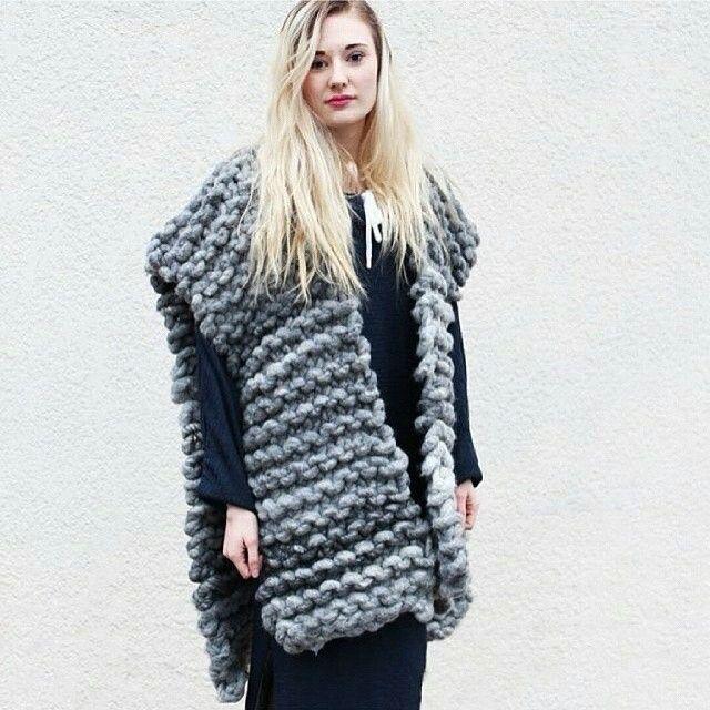 #loopymango #bigloopyarn #knitting #knit #вязание #толстаяпряжа #крупнаявязка #хендмейд #вяжутнетолькобабушки #вяжу #спицы #меринос #wool #woolandmania #пряжа #жакет #серый #вязаныйжакет #вязаныйкардиган #knitstagram