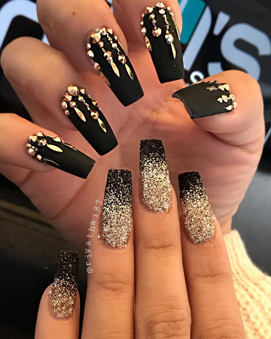 Riya S Nail Salon On Instagram Riyasgelpolish Extrablack Riyanowipemattetopcoat Cle Nailpro Gold Nails Gold Nail Designs Gold Acrylic Nails