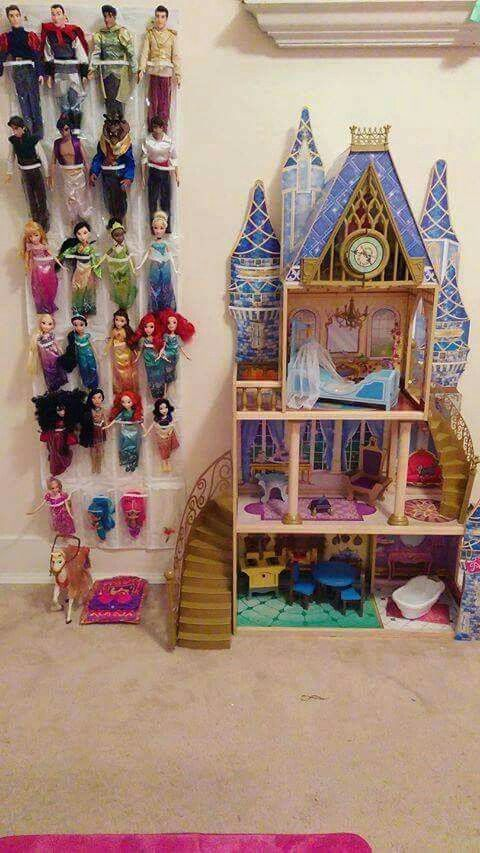 Shoe storage for barbies