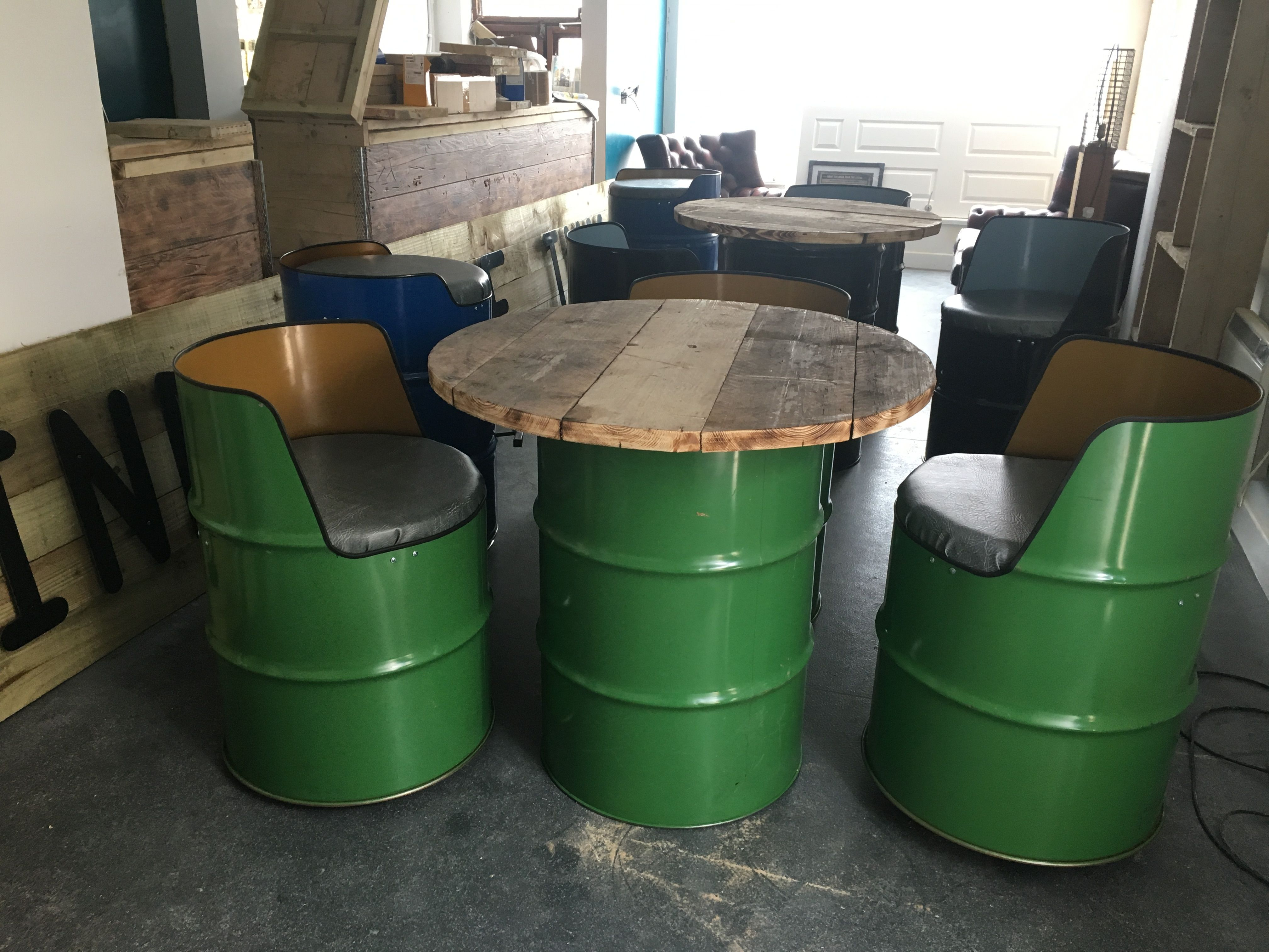 Comment Renover Un Tonneau oil drum table and swivel seats recycled oil drums | projets
