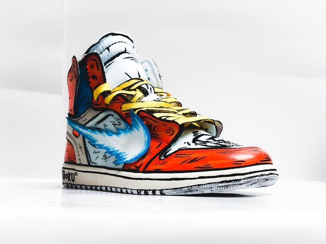 abe5bcc46f2a  stompinggroundcustoms gets creative with this Air Jordan 1 x Goku custom.  Tag a Dragon Ball Z fan…""
