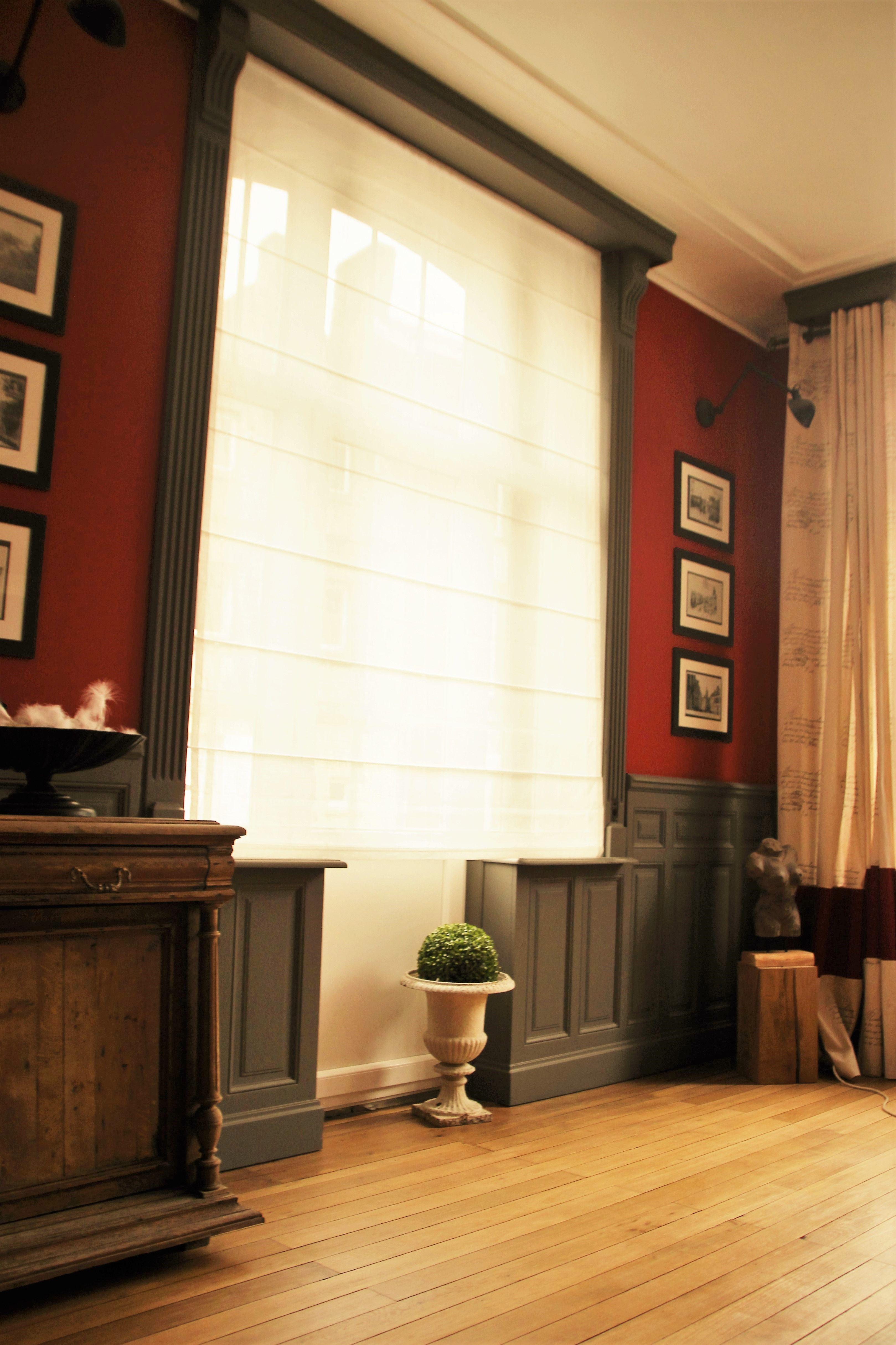 le cabinet de curiosite s invite au bureau rouge et gris vasque medicis recupere exposition photos d une anc bureau rouge cabinet de curiosite rideaux lin