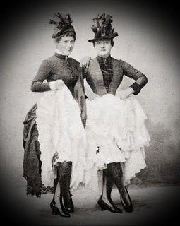 cancan dancers La Goulue on the right