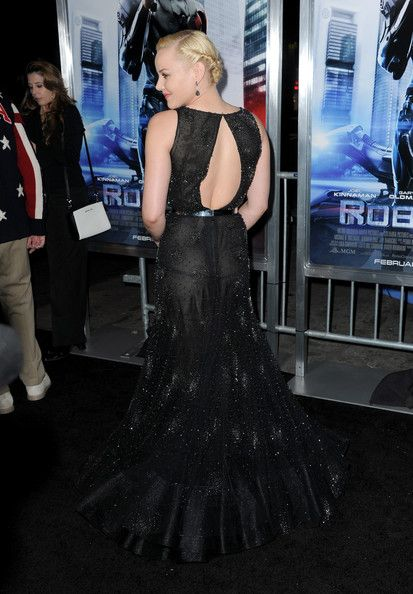 """Abbie Cornish arrives at the premiere of Columbia Pictures' """"Robocop"""" at TCL Chinese Theatre on February 10, 2014 in Hollywood, California. #AbbieCornish #Robocop"""
