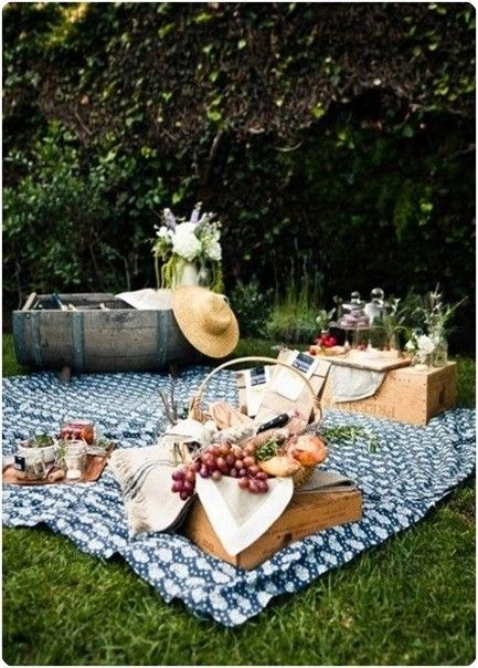 Boxes and other hard surfaces provide makeshift seating for your picnic.