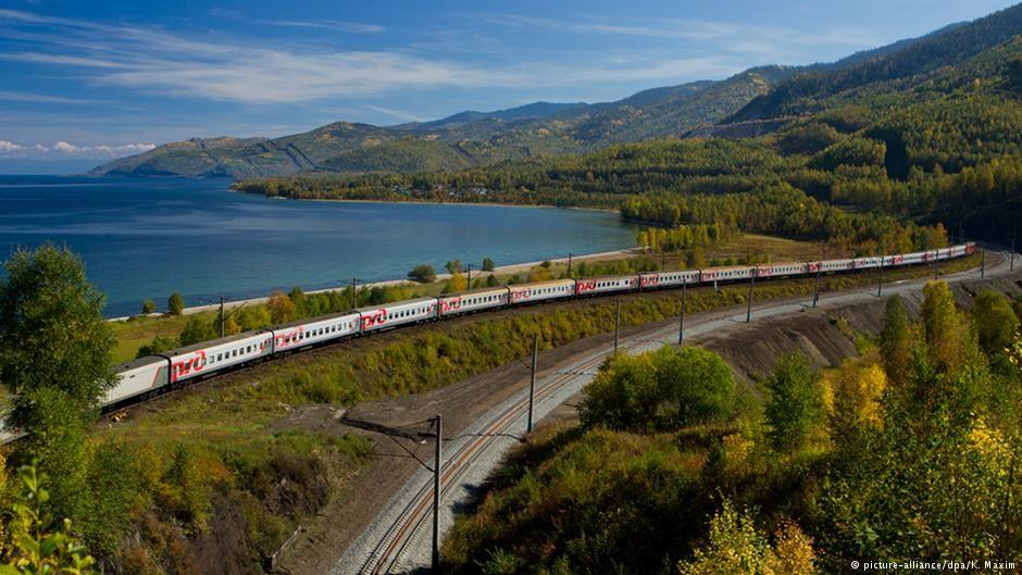 Uma das mais longas viagens de trem do mundo, na Trans Mongolian Express e Trans Siberian Railway. De trem, 2 continentes, de Pequim a São Petersburgo.