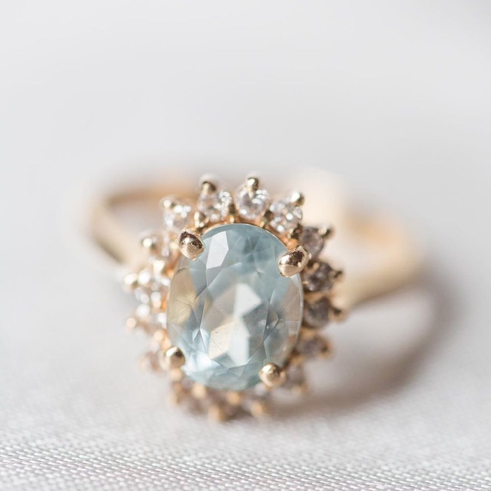Vintage wedding rings that make you feel like youure in a fairytale