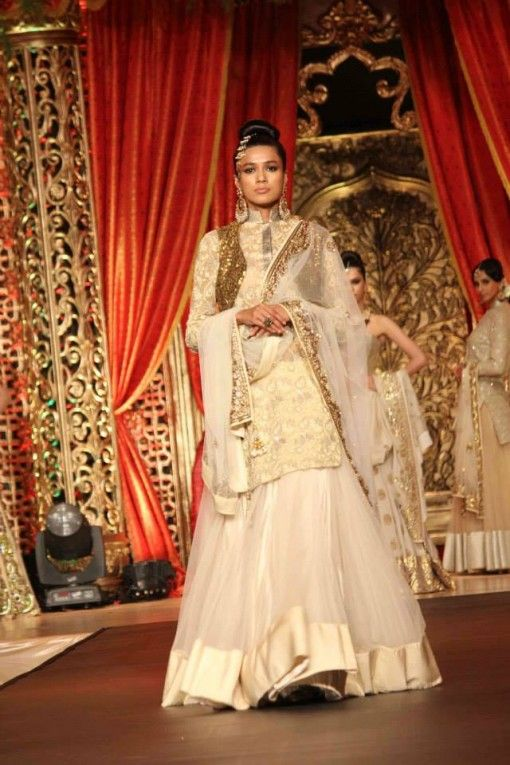 A Winter Marriage-- Vikram Phadnis Bridal Collection Indian Fashion Show | Indian Wedding Site