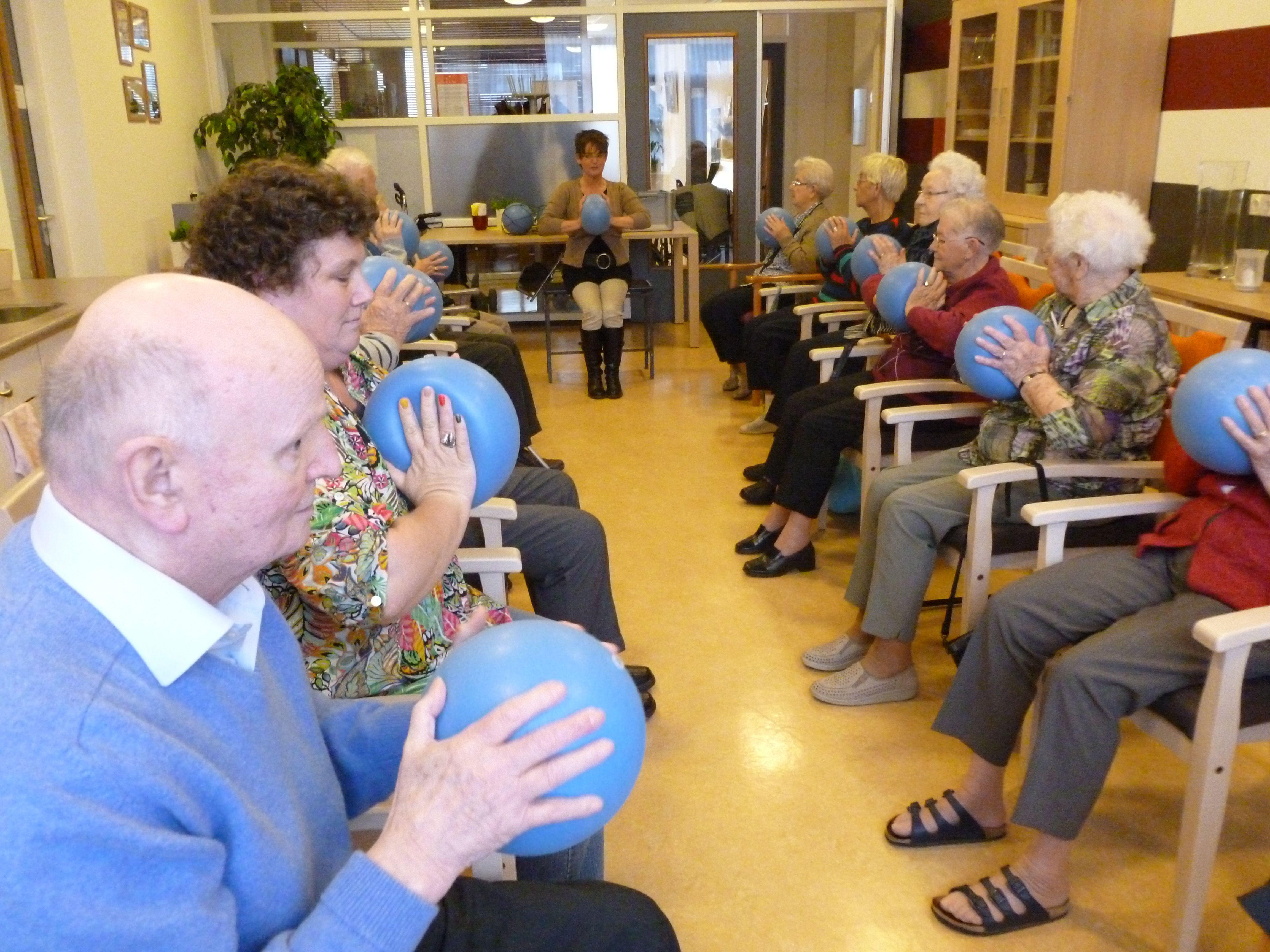 Beroemd 12: Bewegen voor ouderen - hét Nieuws uit Zeewolde: nieuws krant #KT63