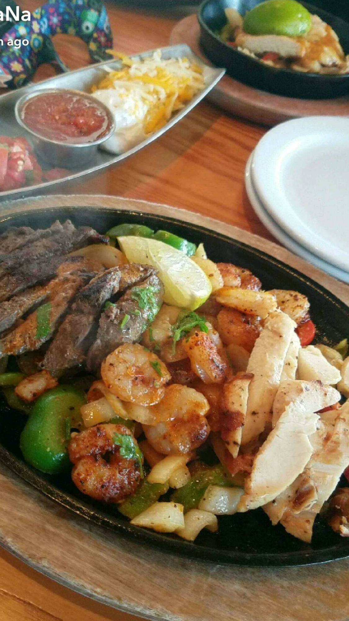 chili's fajitas, chicken and shrimp trio | low carb options at
