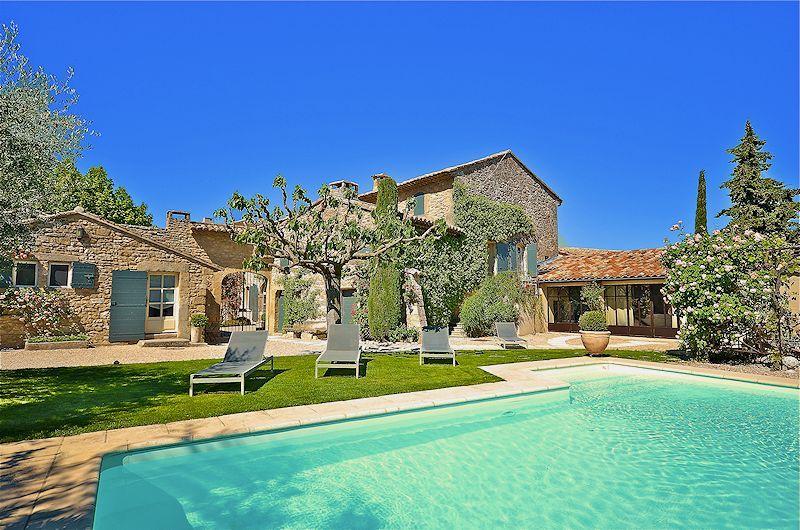 Mas de charme avec piscine chauffée pour 10 personnes en Luberon - location vacances provence avec piscine