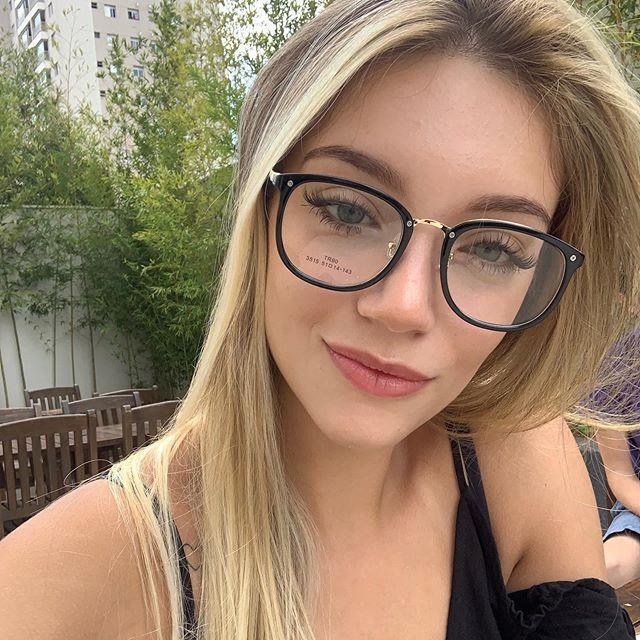 Pin De Kaisson Medeiros Em Girls And Feets Meninas De Oculos