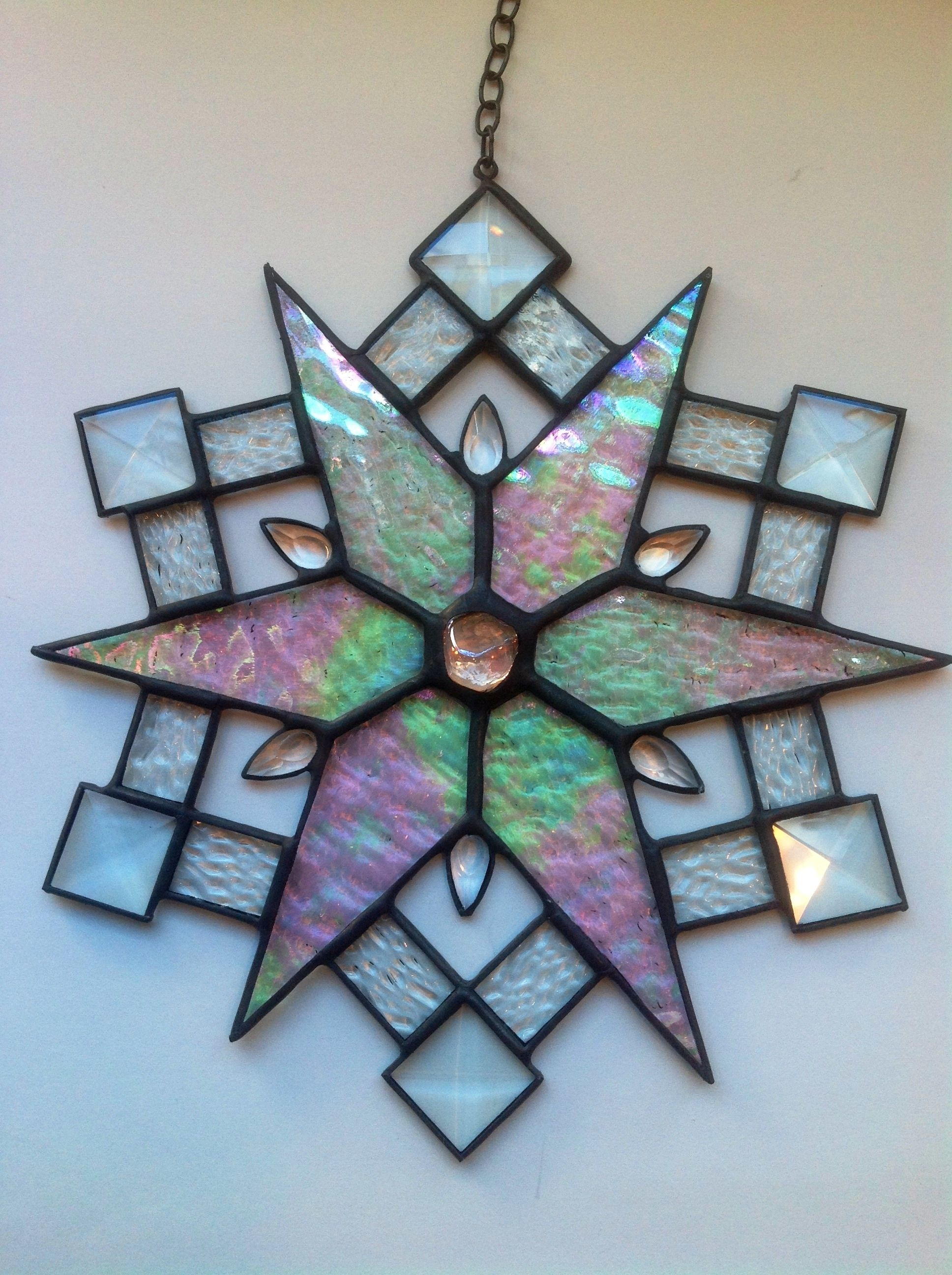 Red Snowflake Stained Glass Google Search Stained Glass Ornaments Stained Glass Quilt Stained Glass Christmas