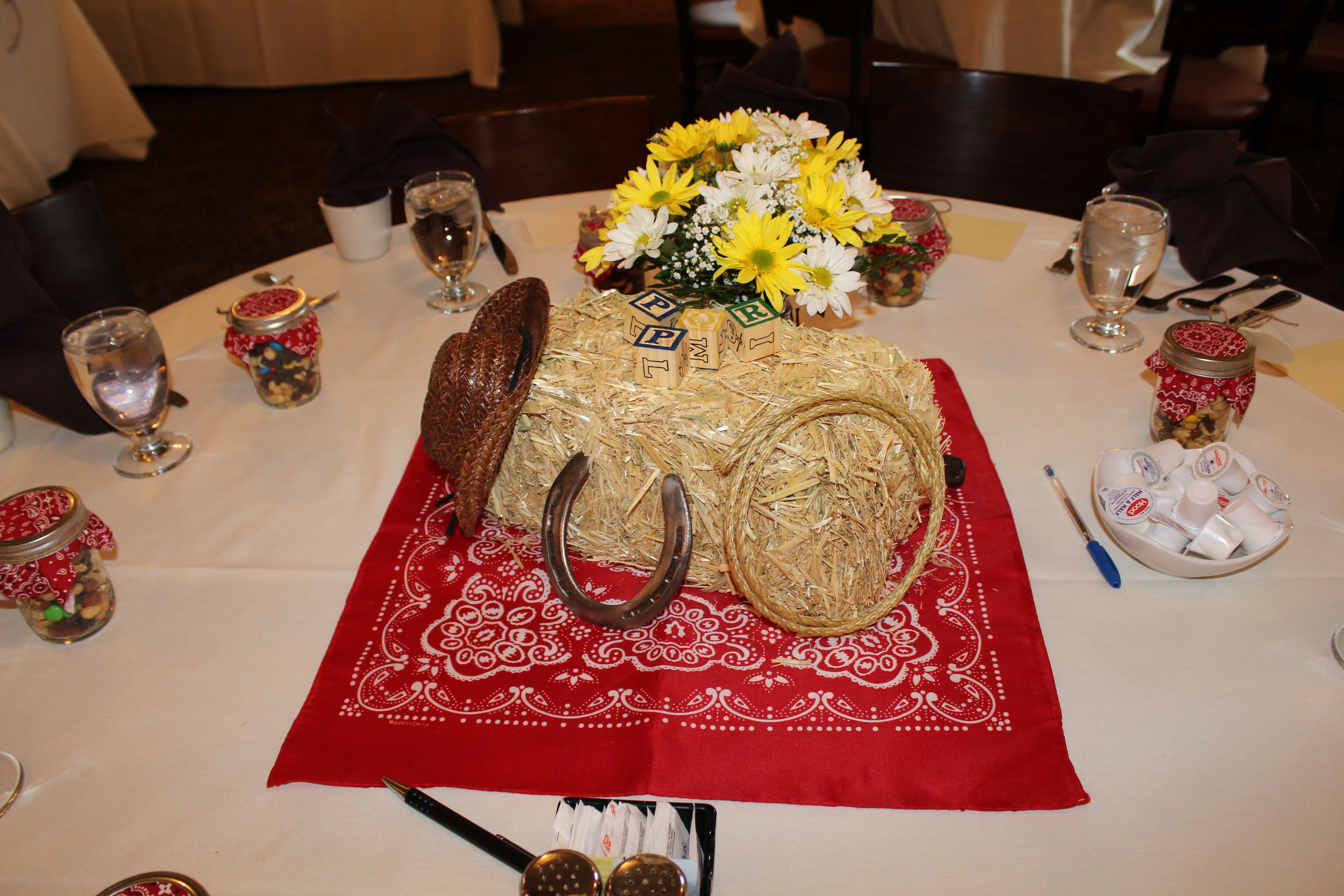 western wedding decoration ideas cowboy western table decorations centerpieces 1256