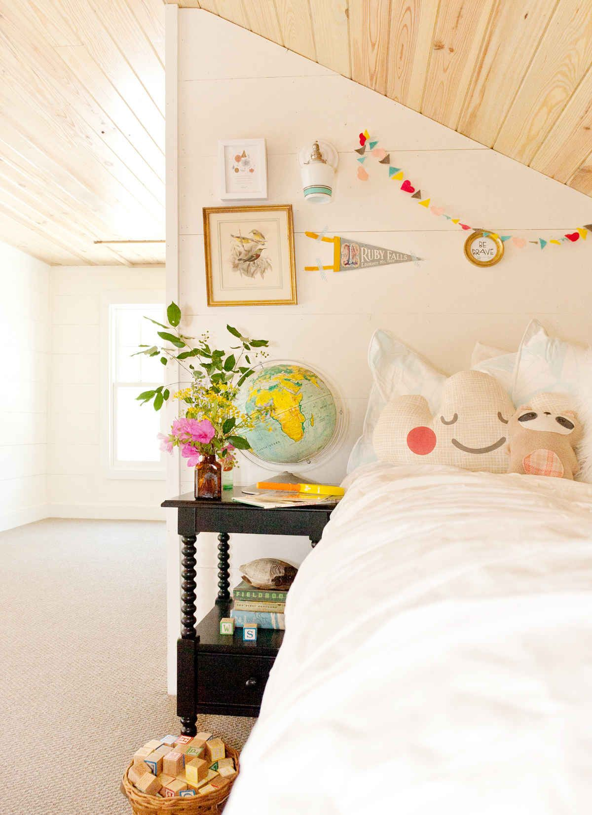 bright little girl's room | kid dwelling | pinterest | canopy