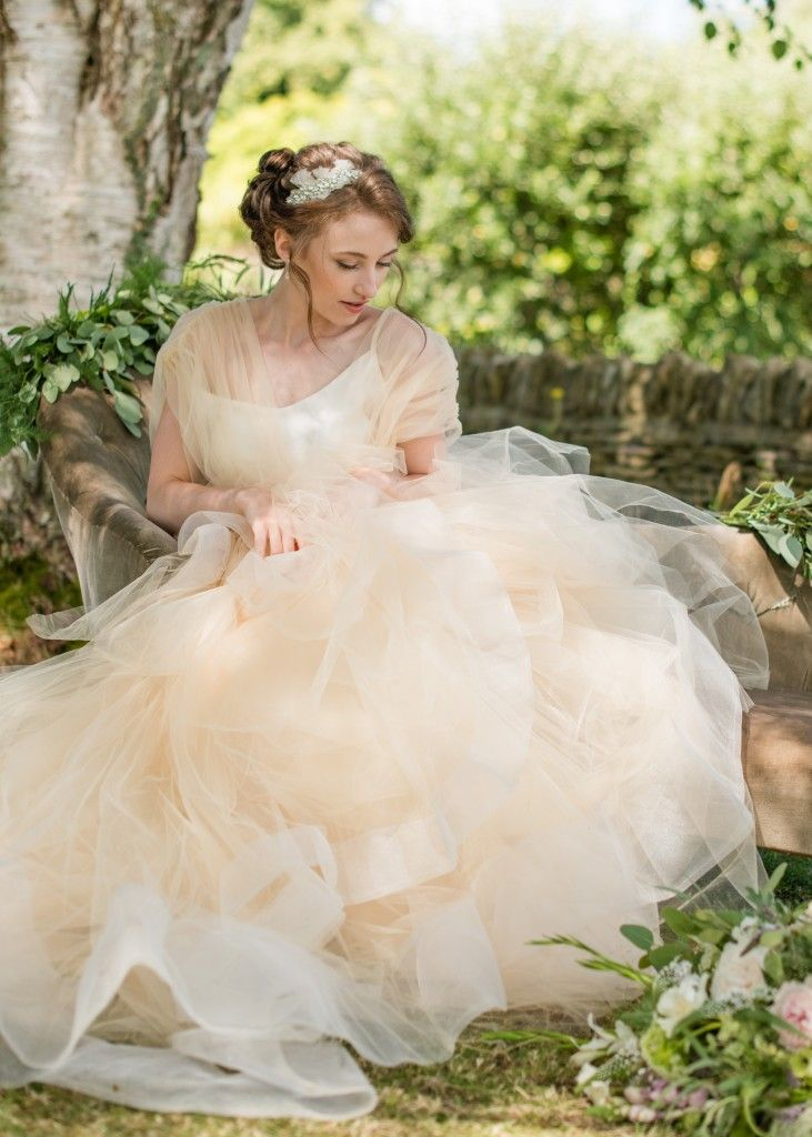 Romantic Countryside Wedding Inspiration By Louise Beukes Styling Wedding Belles Wedding Dress Photography Tulle Wedding Dress Countryside Wedding