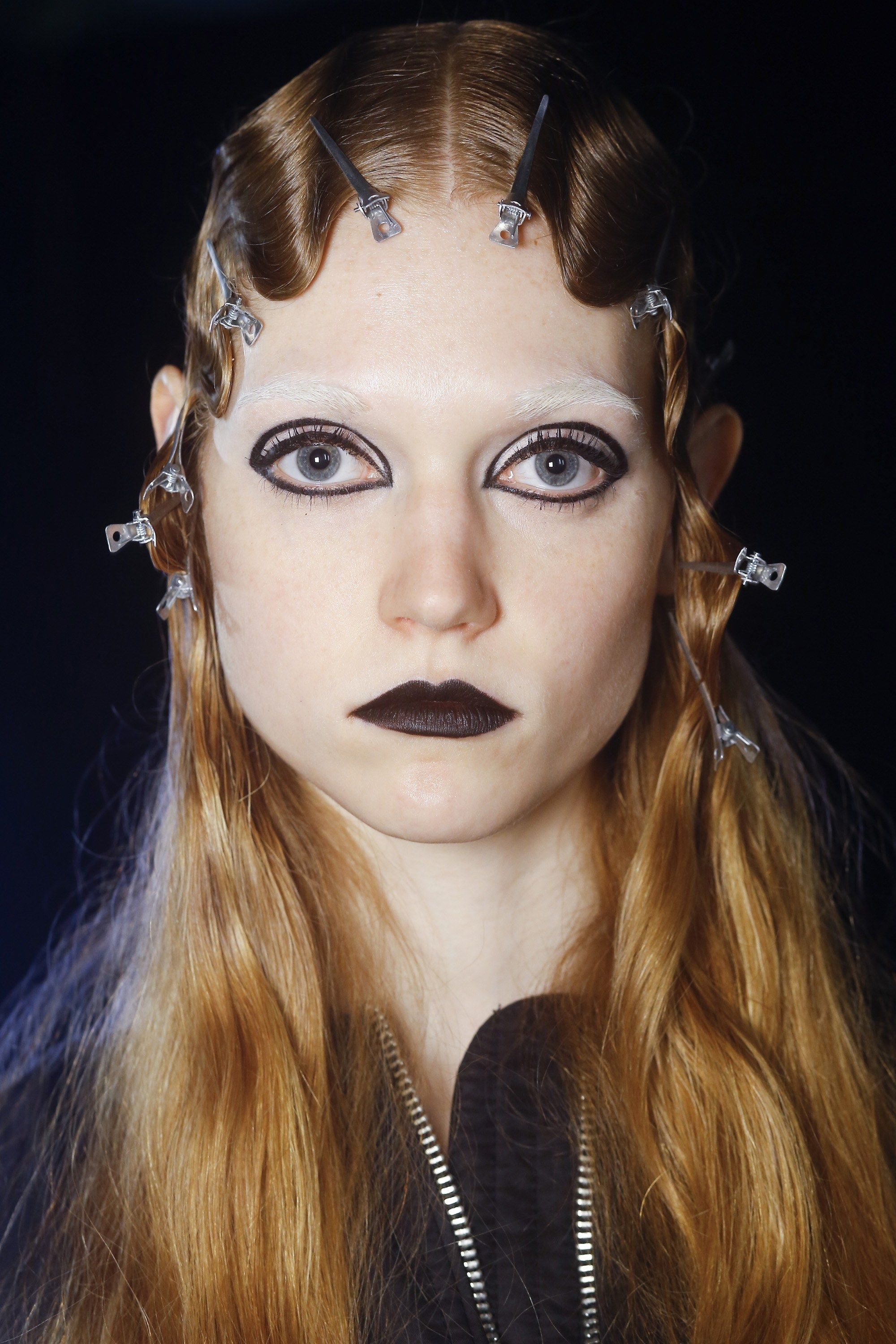 makeup hair jacobs marc beauty vogue fall ready runway wear editorial 毒品 hairstyles