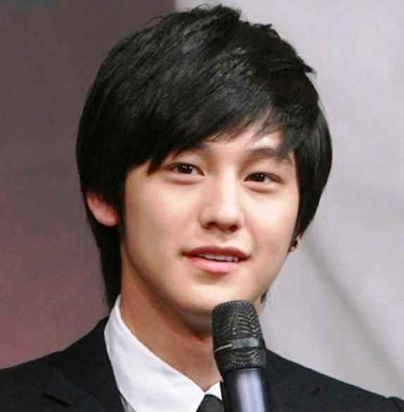 Male Hairstyles For Round Faces Asian Men Hairstyle Mens Hairstyles Medium Round Face Men