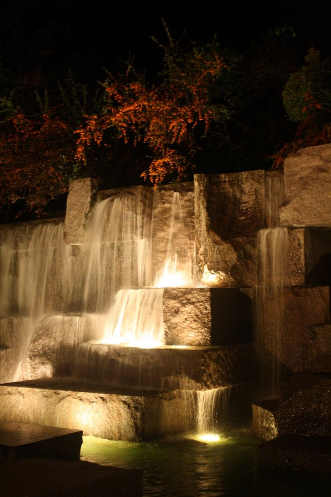 Exploring the National Mall of Washington DC at night. Here's a particularly beautiful water feature, flowing over the steps and glowing softly