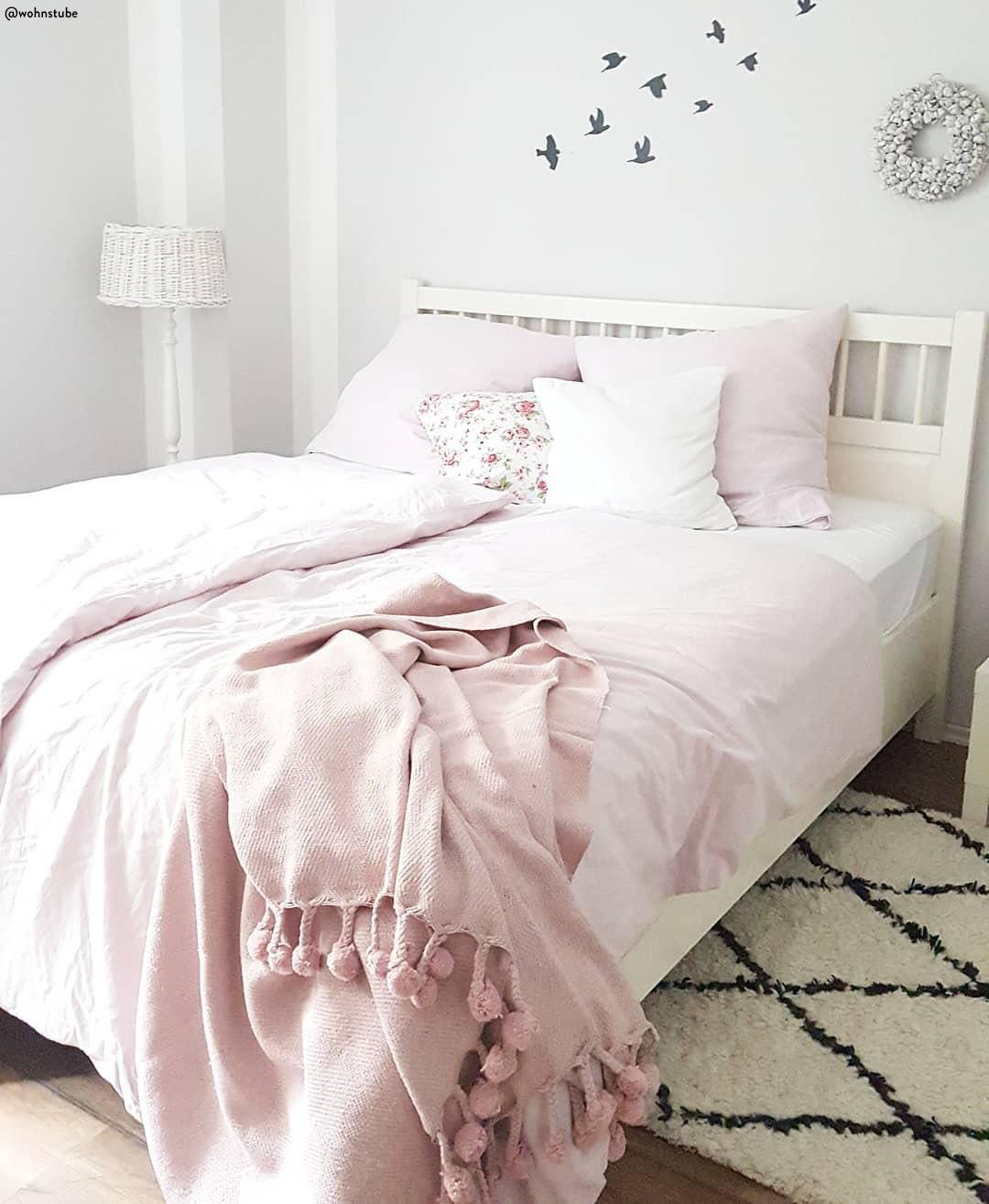Pink Reloaded Romance Is In The Air Een Van De Grootste Trends Is Het Kleurenpalet Blush Denk Aan De Kleur Van Bett Kissen Perkal Bettwasche Teppich Rosa