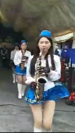 マーチングバンド パンチラ