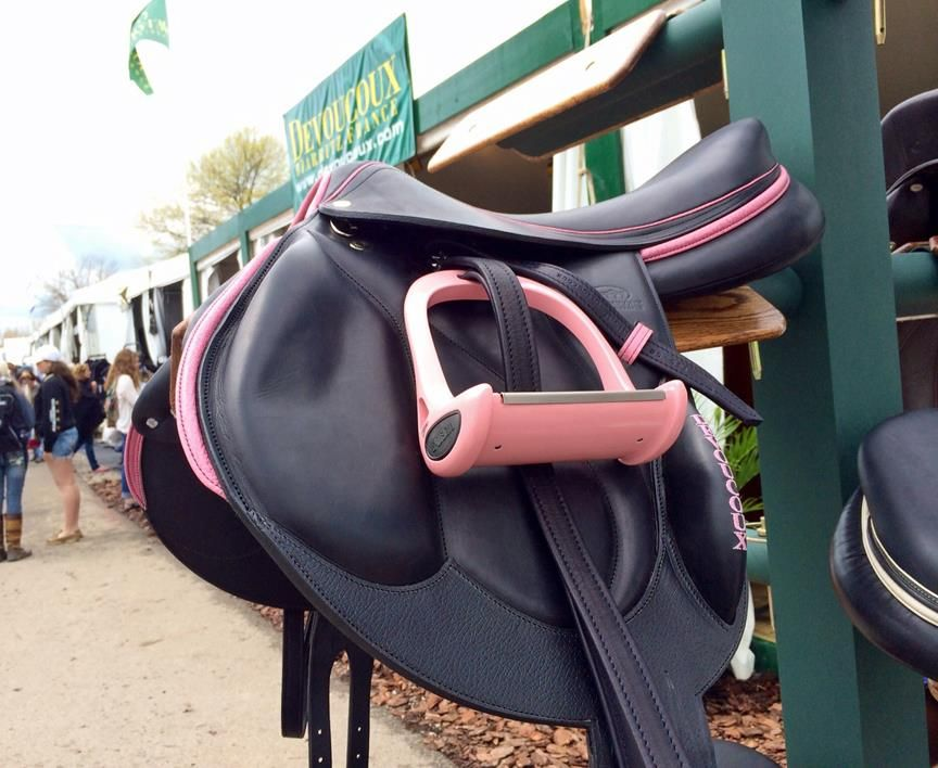 Black and pink English saddle.  ). The stirrup is not something I would use  but the rest is kinda fun 2a0266ab85372