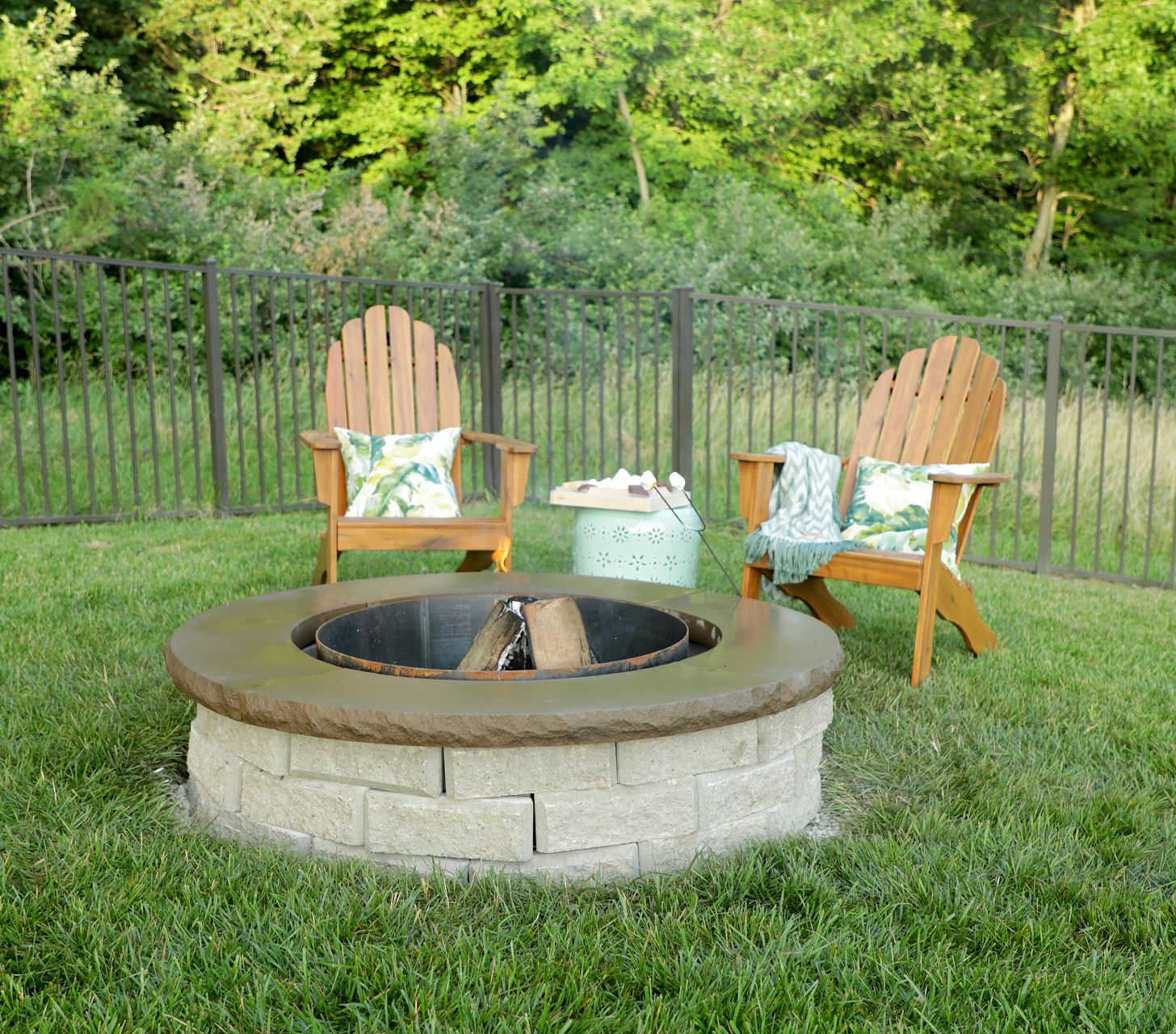 Diy This Super Easy Fire Pit With Images Fire Pit Backyard