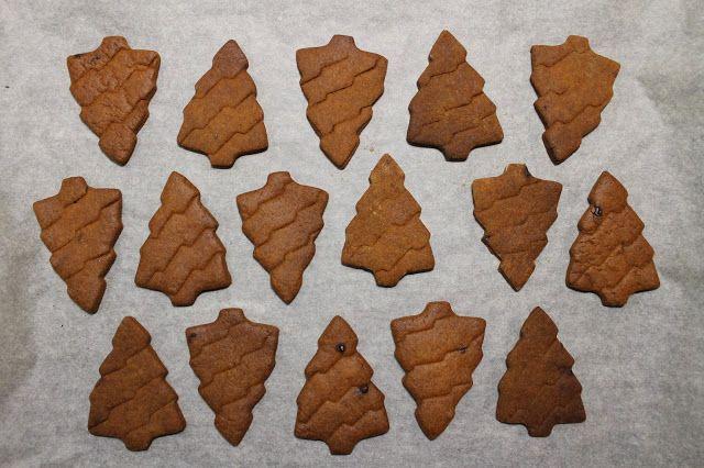 Diana's Cook Blog: Biscuits de Noël : Sapins à la cassonade corsée