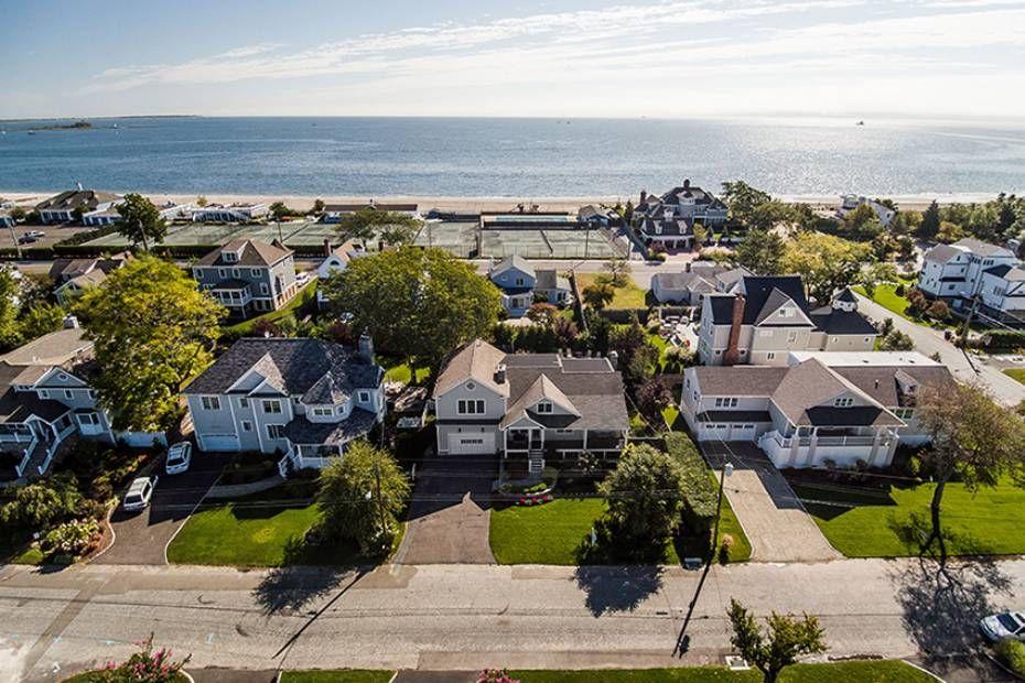 131 Carlynn Drive Fairfield Ct Connecticut 06824 Beach Fairfield Real Estate Fairfield Home For Sale Real Estate Real Estate Agency Urban Planning