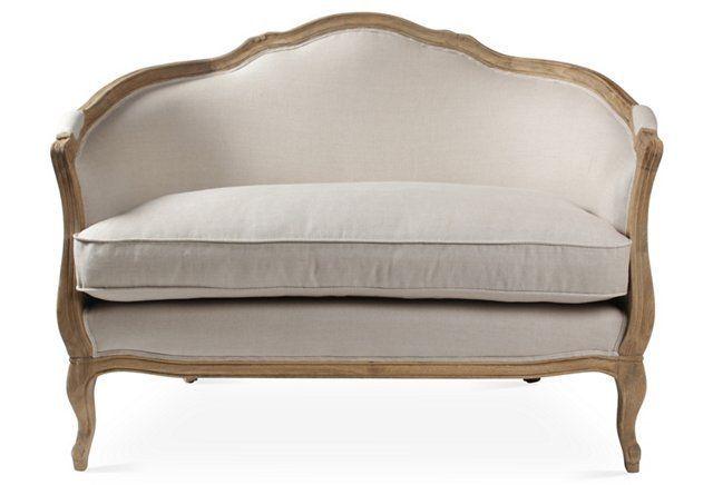 So elegant for a chic nook vignette in the bedroom!