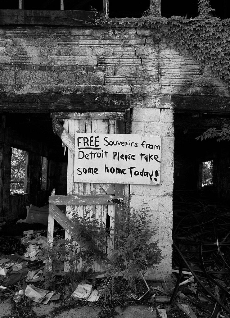detroit photo essay abandoned This photo essay is the result of research and dozens of interviews over the last five years that focused on the wailing wall and on the demolition of paradise valley, a culturally rich black neighborhood in the heart of motown that was destroyed to build the chrysler freeway (i-75.
