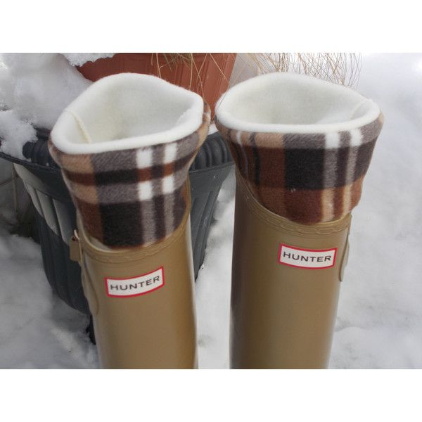 Bluebird58 Fleece Rain Boot Liner Cream With Brown Plaid Cuff tall/reg... ($24) ❤ liked on Polyvore featuring intimates, hosiery, socks, boot socks & cuffs, grey, women's clothing, pattern socks, checkered socks, plaid socks e grey socks