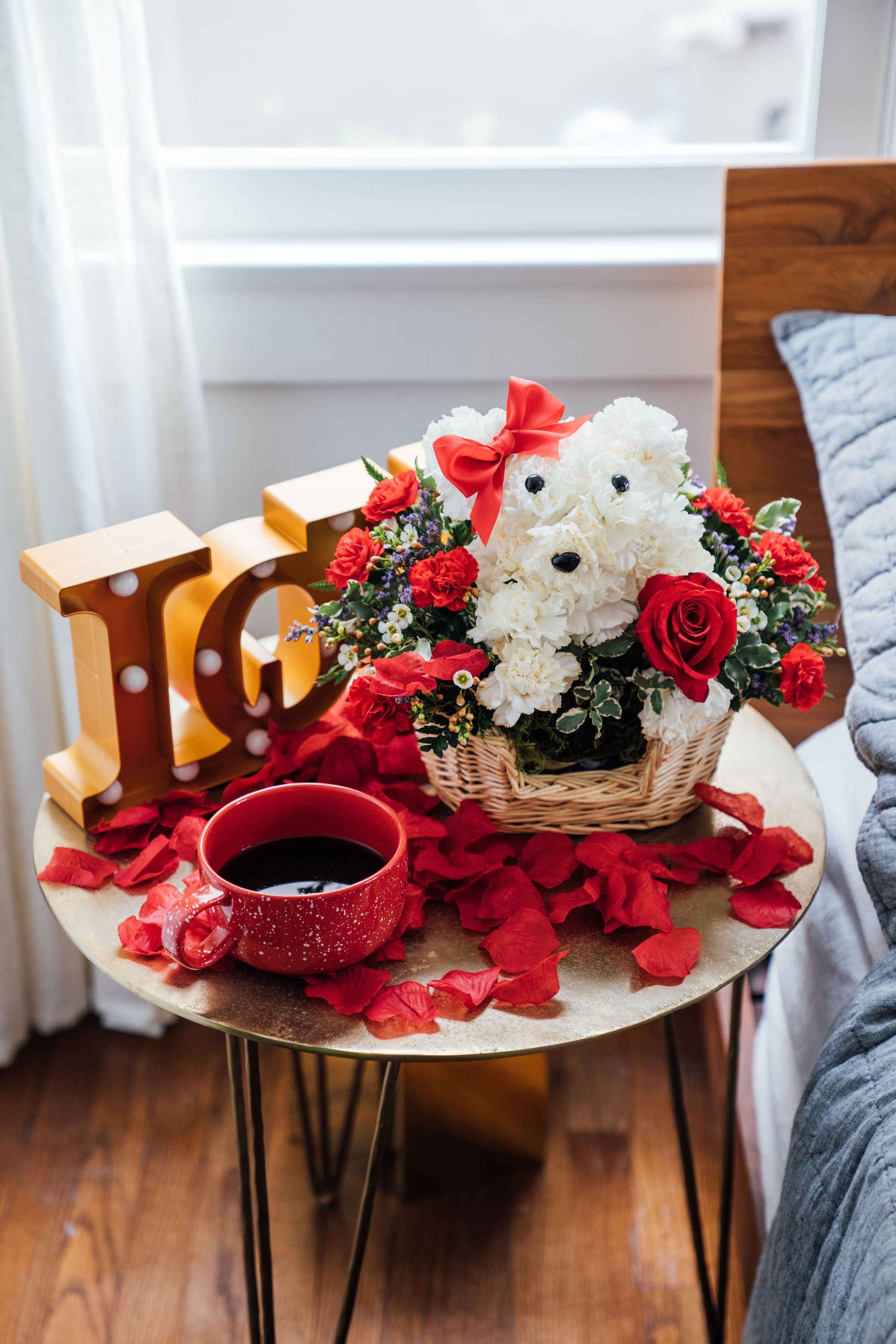 Love Pup In 2020 Flower Delivery Single Red Rose Flower Gift
