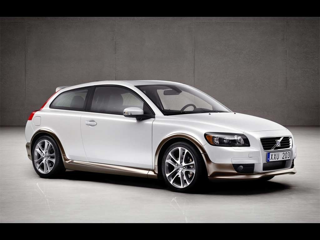 volvo c 30. Not sure why I like this so much...maybe cause updated version of the old pacer