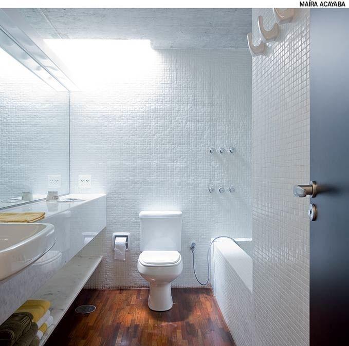 Janela Banheiro Suite : Sem janela o banheiro recebe ilumina??o zenital atrav?s